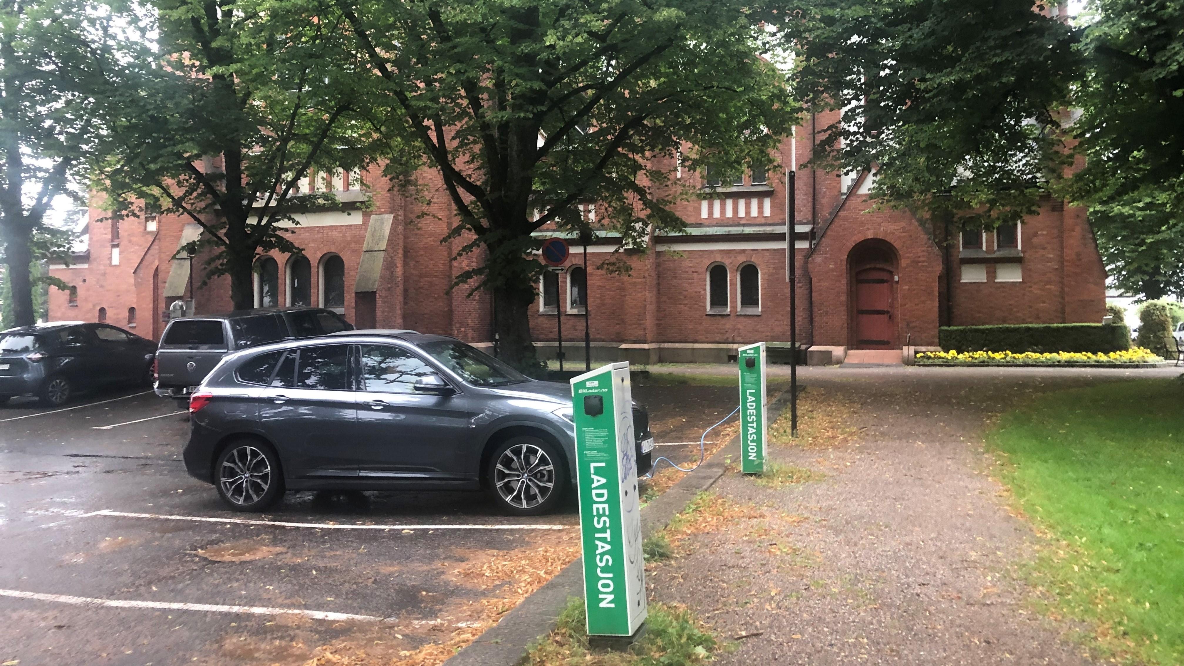 Ladestasjoner og parkering for el-bil